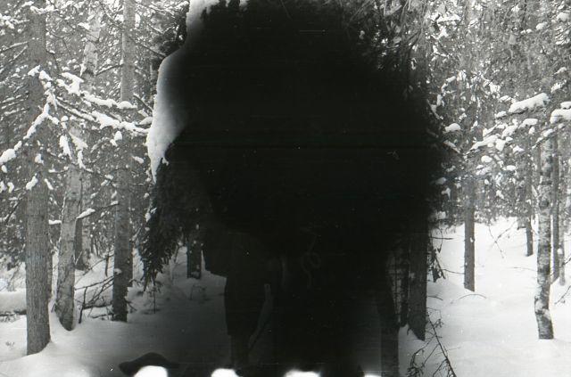 Фотография из похода группы Дятлова со следами подделывания фотопленки