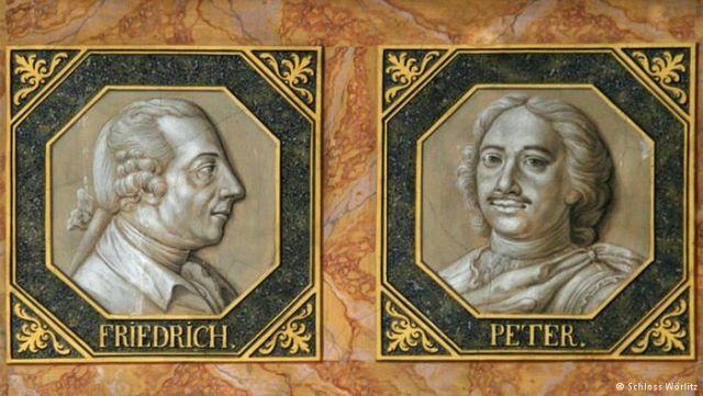 Дворец Dessau Wörlitz. Два великих монарха - прусский король Фридрих и русский царь Петр. Их портреты рядом украшают библиотеку в первом немецком дворце, построенном в стиле классицизма.